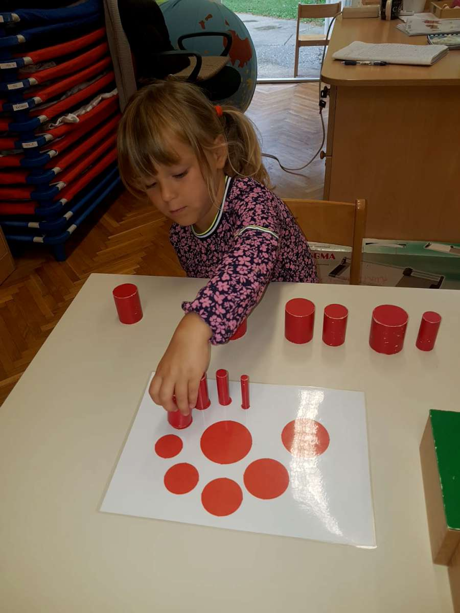 Alternativni program prema koncepciji Marie Montessori